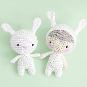 Зайка и мальчик-зайчик амигуруми