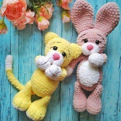 Кот и зайчик амигуруми