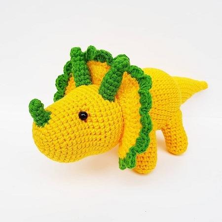 Вязаный динозавр крючком