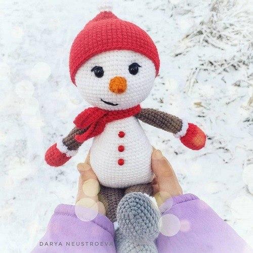 Вязаная игрушка снеговик крючком